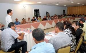 Produtores rurais em reunião