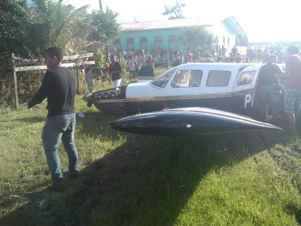 Aeronave colidiu em uma torre de transmissão e fez pouso forçado