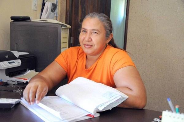 Ana Cleide Alves da Silva conta que todos os quartos da pousada onde trabalha estão ocupados