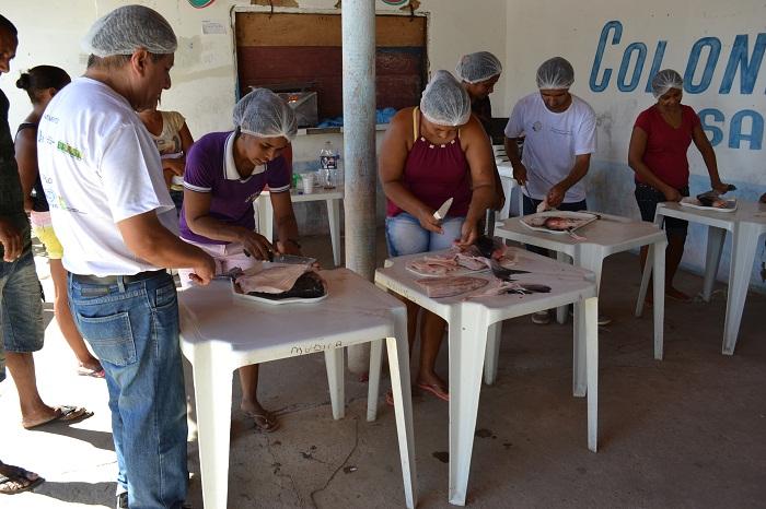 22.06.2015 - Rede Peixe - Curso de processamento de pescado em Sampaio - Fotos - Jodevaldo Pereira (2)