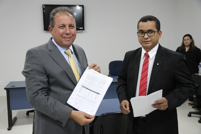 Desembargador Ronaldo e promotor Paulo Sérgio Ferreira de Almeida