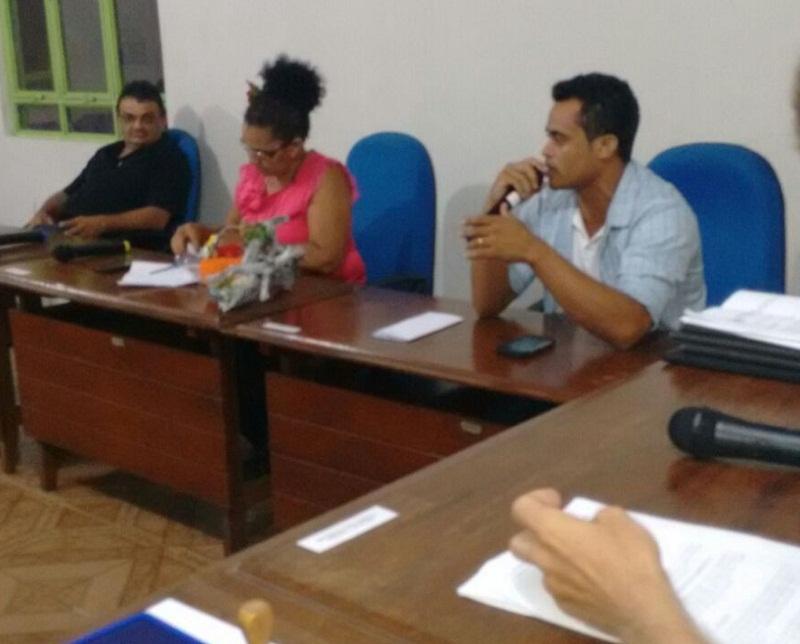Vereadores durante sessão na Câmara de Esperantina