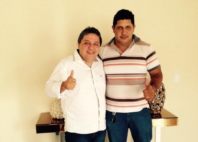 Prefeito Jair Farias e presidente do PROS, Waldiney de Sousa