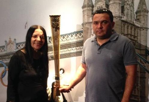Ex-deputada Tête Santos e Cláudio Robertino em foto do arquivo pessoal