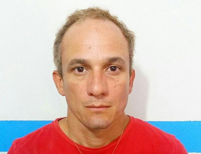 Cleones da Silva Santos, 42 anos, principal suspeito de matar, a facadas, Ana Lúcia Feitosa, 23 anos.