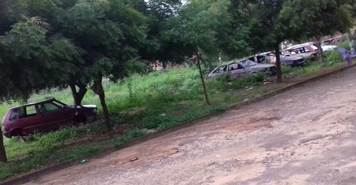 Veículos abandonados se tornaram perigo para moradores