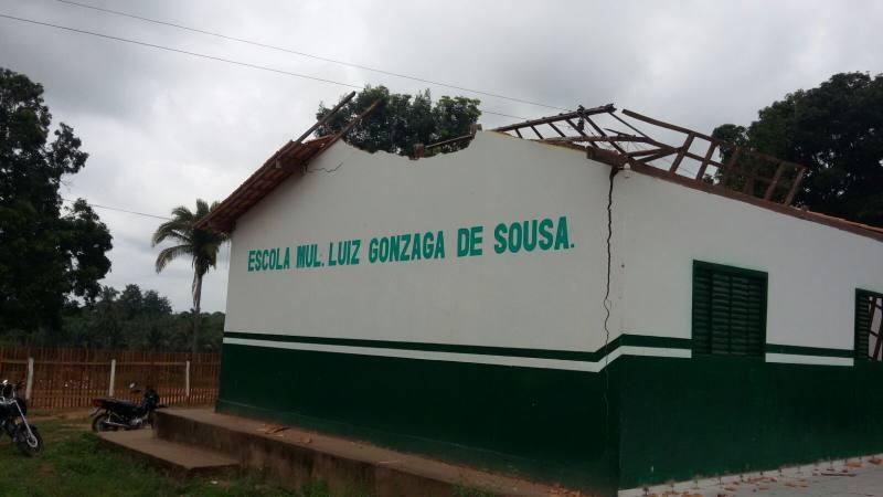 buriti-escola-desaba-antes-mesmo-de-ser-inaugurada
