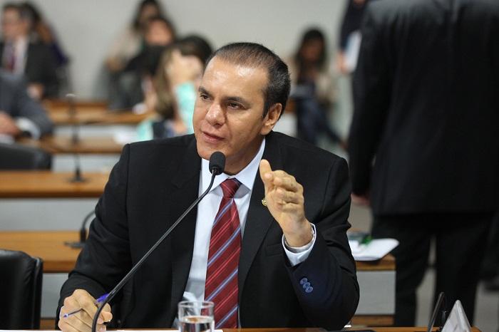 senador-ataides-oliveira-02021