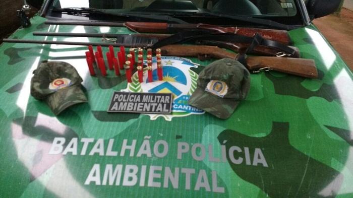Armas apreendidas pela PM em Cachoeirinha.