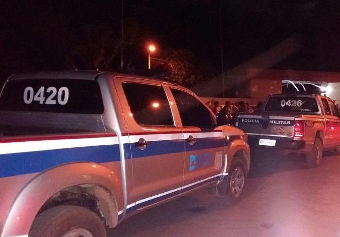 Viaturas da Polícia paraense chegando para reforçar