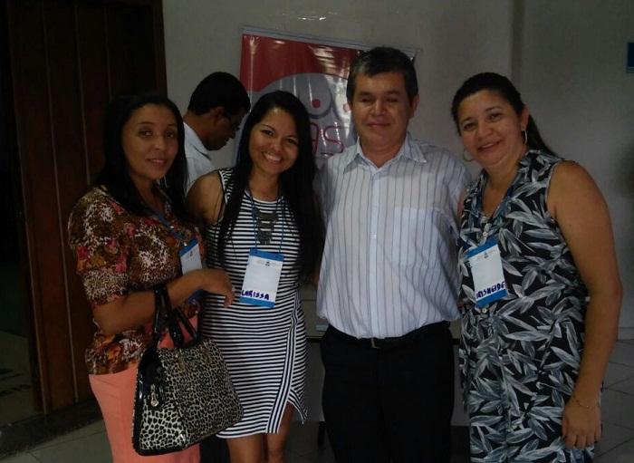 Conselheiras araguatinenses com o presidente nacional do Conselho de Assistência Social, Edivaldo da Silva Ramos