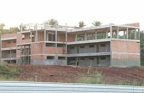 Novo campus com obras paradas