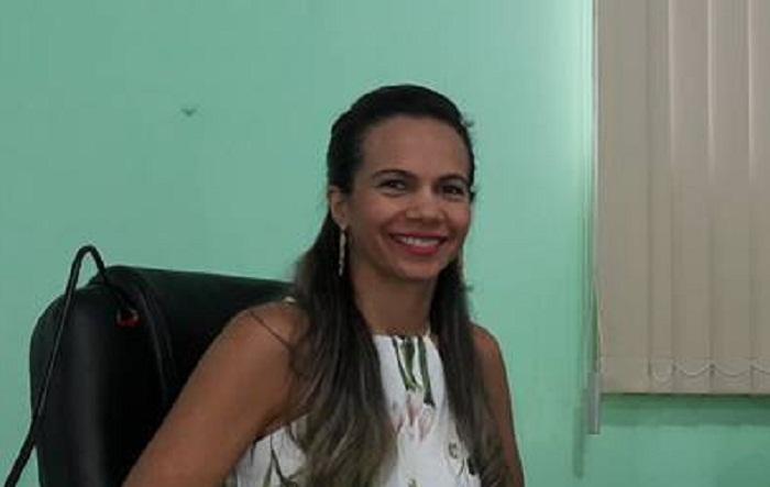 Secretária municipal de Educação, Érica de Cássia Maia