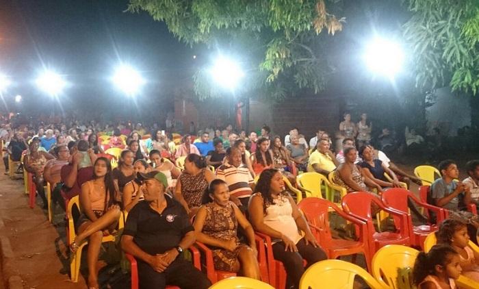 Reunião no distrito de Macaúba, realizada no sábado.