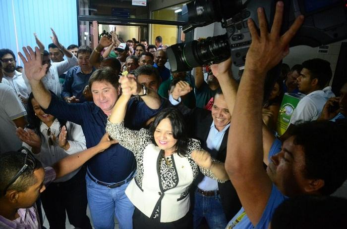 Valderez e Nahim registram candidatura