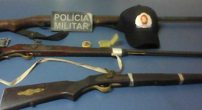 armas-apreendidas-com-os-autores