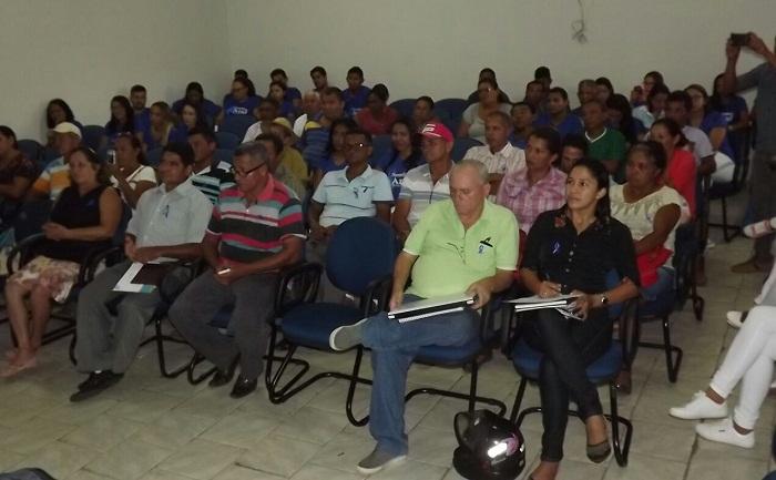 Produtores rurais da Cooperativa de Produção dos Agricultores Familiares do Território do Bico do Papagaio (Cooperbico).
