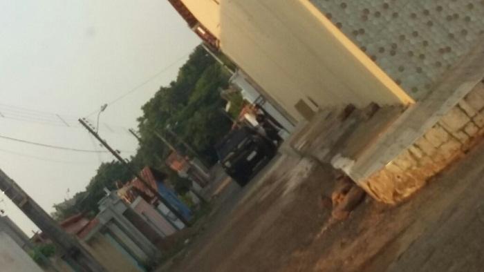 Residência do deputado Rocha Miranda, durante operação da Polícia Federal nas primeiras horas da manhã
