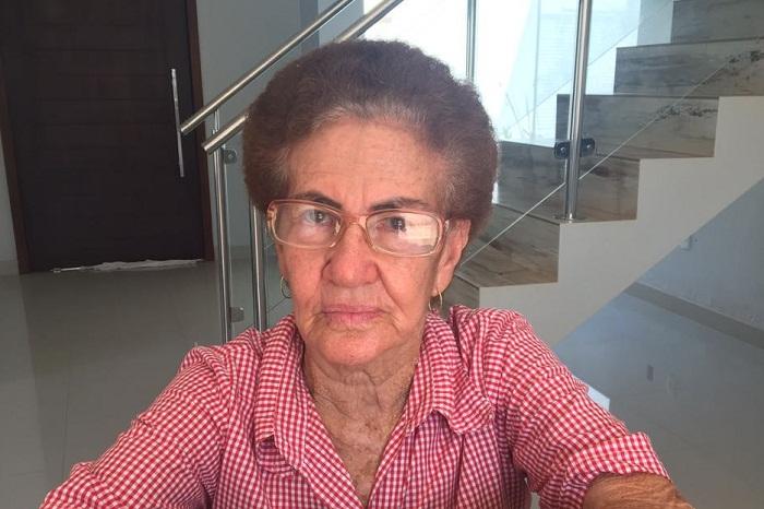 Dona Genalia Santos Silva, hoje com 78 anos, sofre com a falta do filho
